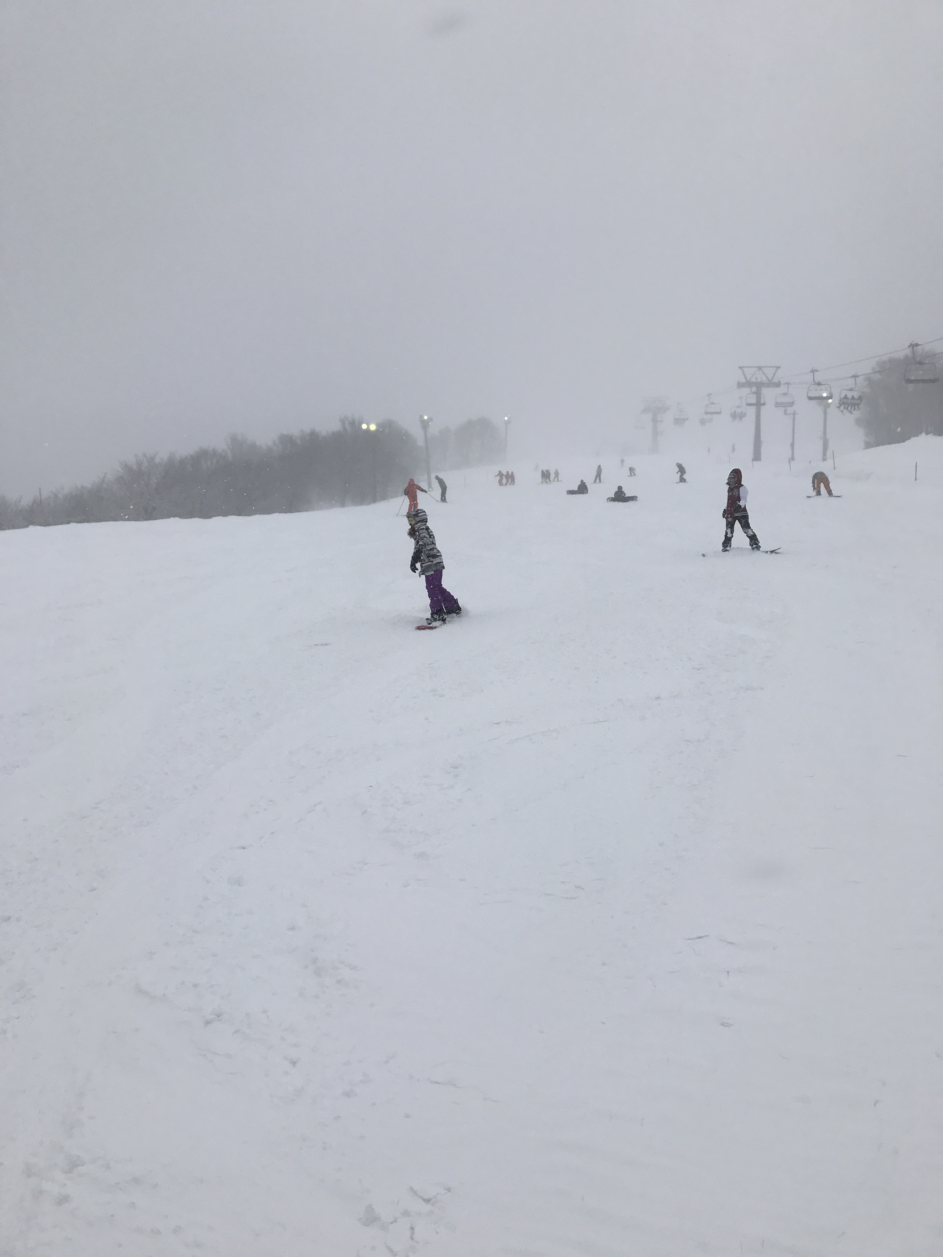 志賀高原がとてもいい感じで滑れ楽しめるスノーボードスポットだった